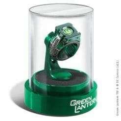 Anel Lanterna Verde com Expositor Réplica Oficial