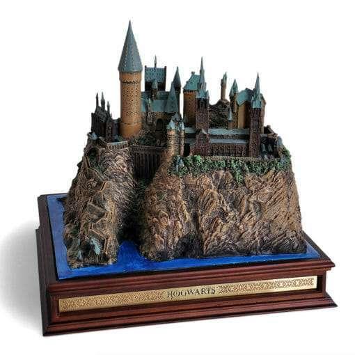 Castelo de Hogwarts Oficial versao Diorama Replica Oficial Noble Collection7 510x510 - Castelo de Hogwarts Oficial versão Diorama