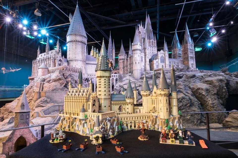 Castelo de Hogwarts - Lego lança Castelo de Hogwarts Harry Potter com mais de 6 mil peças.