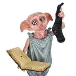 Dobby Estátua Segurando Diário e Meia Réplica Oficial