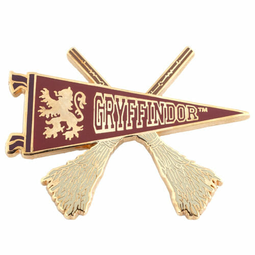 L Gryffindor Quidditch Pennant Pin 1230836 - Pin Grifinória Quadribol Oficial Harry Potter