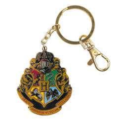 L HOGWARTSTRAD Souvenirs KeyChains HarryPotter Souvenirs HogwartsCrestMedallionKeychain 1230699 247x247 - Chaveiro Brasão de Hogwarts Escuro Oficial Harry Potter