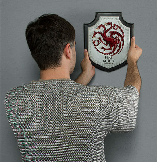 PLACA BRASAO TARGARYEN GAME OF THRONES OFICIAL HBO NOBLE COLLECTION3 510x528 - Brasão 3D casa Targaryen Game of Thrones Oficial