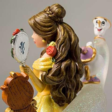 Escultura Disney Bela um conto de encantamento