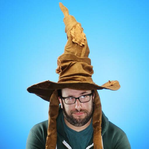 edf4 harry potter sorting hat wearing 510x510 - Chapéu Seletor Oficial Harry Potter