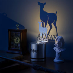 jjol hp snapes patronus lamp inuse 247x247 - Luminária Patrono Harry Potter Snape