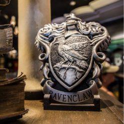 placa brasao corvinal baixo relevo oficial harry potter 838 3 20160302141038 247x247 - Brasão da casa Corvinal Oficial